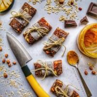 No-Bake Date 'N' Nut Granola Bars